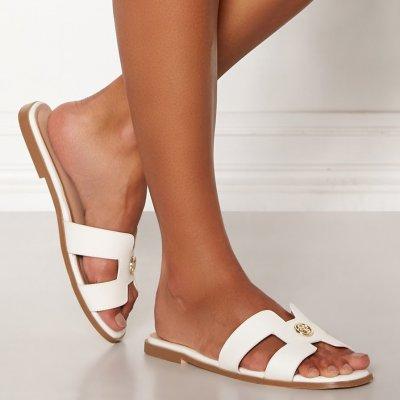 Snygga sandaler från Chiara Forthi